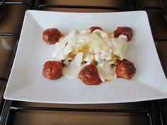 Pasta  Rigatoni au  sauce  de   fromage  et   cuit  au  four ,   boulettes  de  veau au  tomate  Gino D'Aquino