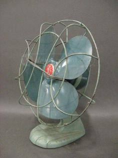 Vtg Sterling Cast Iron Green Electric Desk Fan