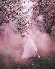 Kristina Makeeva↟Kotleta↟Timon (@hobopeeba) • Instagram fotoğrafları ve videoları Cherry Blossom Pictures, Cherry Blossom Japan, Lakes In Mexico, Pink Mosque, Pink Street, Pink Castle, Ballet Art, Pink Sky, Dance Art