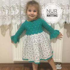 Girls Knitted Dress, Crochet Girls, Knit Dress, Knitting For Kids, Baby Knitting, Toddler Dress, Baby Dress, Little Girl Dresses, Girls Dresses