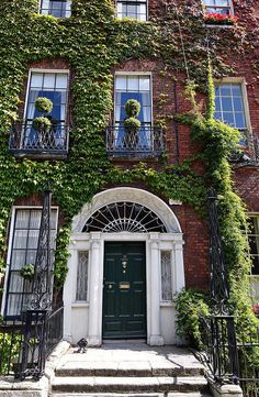 fieldsinireland: Georgian houses of Dublin,. Georgian Buildings, Georgian Architecture, Dublin Apartment, Georgian Doors, Townhouse Exterior, Dublin House, Grafton Street, Georgian Townhouse, Lottery Winner