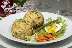 Špekové knedlíky pro silné muže Salmon Burgers, Potato Salad, Potatoes, Meat, Chicken, Ethnic Recipes, Essen, Potato, Cubs