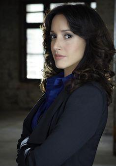 Jennifer Beals guest staring in Castle