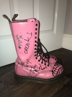 Rare-14-Hole-Pink-Doc-martens-Signed-By-Gogol-Bordello-Size-5