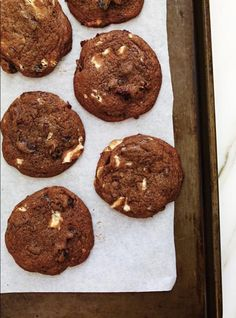 Ricardo Cuisine help you find the perfect cookie recipes. Delicious cookies recipes for you. Delicious Cookie Recipes, Yummy Cookies, Chocolate Cookies, Chocolate Desserts, Ricardo Recipe, Perfect Cookie, Desert Recipes, Sweet Tooth, Sweet Treats