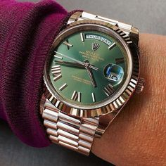 Rolex Day Date rose gold with beautiful green dial - cheap gold watches mens, mens dress watches leather band, mens watches all black Rolex Watches For Men, Luxury Watches For Men, Cool Watches, Wrist Watches, Men's Watches, Fashion Watches, Rolex Day Date, Rolex Submariner, Patek Philippe