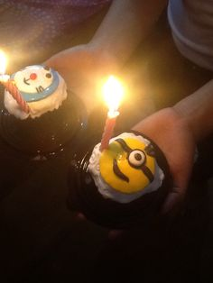 Minions and doraemon cupcakes with candle