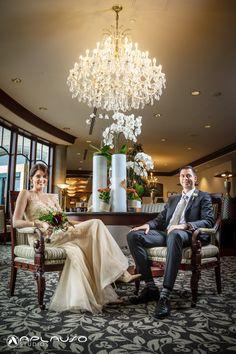 Beautiful & elegant bride and groom portrait in Victoria B.C. Canada by Aplauso Studios