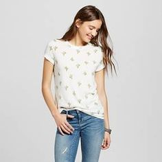 • Cotton/Polyester for comfy wear and easy care <br>• Quirky cactus print is whimsical<br>• Shirttail hemline is a modern must<br><br>Play with quirky style in the Women's Cactus Tossed Print Graphic Tee in Heather Gray by Zoe+Liv (Juniors'). Using the hottest trends, this Juniors' shirttail t-shirt still delivers casual comfort.<br><br>Used to Women's sizes? Size up in Junior's or check ...
