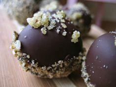 Raw Mole Truffles w/ cumin seeds, chipotle pepper, nutmeg, cinnamon powder and cayenne #Raw #Dessert