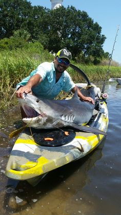 Choosing a fishing kayak for beginners may not seem as simple as it sounds. Read our list of five kayaks for beginners, and make an intelligent step to find the best fishing kayak. Best Fishing Kayak, Kayak Camping, Fishing Tips, Fishing Boats, Kayak For Beginners, Greenland Travel, Small Shark, Kayaking Tips, Inflatable Kayak