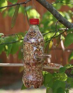 Resultado de imagem para comedouro passarinho fazer em casa