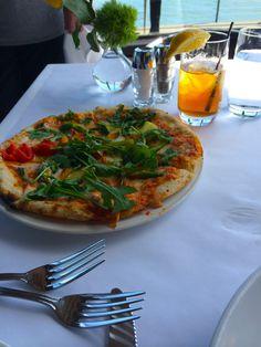 Waterfront Restaurant San Francisco Restaurants, Waterfront Restaurant, Vegetable Pizza, Vegetables, Food, Essen, Vegetable Recipes, Meals, Yemek