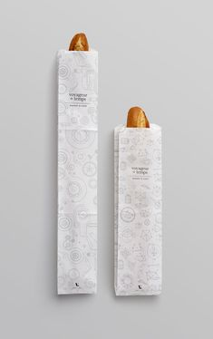 "Another beautiful branding project by San Francisco studio Character. ""Located a short walk from downtown Los Altos, Voyageur du Temps (VDT) is an artisan bakery… Bread Packaging, Bakery Packaging, Food Packaging Design, Branding Design, Bakery Identity, Modern Bakery, Bread Brands, Bakery Bags, Paper Bag Design"
