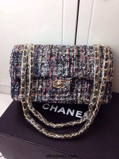 How to create Chanel Style: the tweed bag Chanel Fashion, Fashion Bags, Chanel Style, Luxury Bags, Luxury Handbags, Tweed, Chanel Mini, Chanel Bags, Chanel Couture