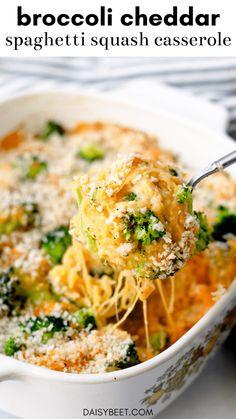 Spagetti Squash Casserole, Cooking Spaghetti Squash, Vegetarian Spaghetti Squash Recipes, Cheese Spaghetti, Veggie Recipes, Vegetarian Recipes, Healthy Recipes, Vegan Meals