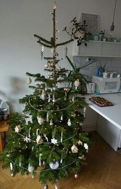 Metallic and White Christmas tree