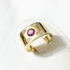 Anello in Oro 18kt con Rubino e Diamanti - 18k gold ring with Ruby and Diamonds #Ruby #diamond #jewels #jewelery #gioielleriacentrooro #lagioielleriaacasatua #anelli #ring #Natale14 #Christmas14  #store #ebay #regalidiNatale