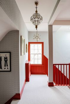 Jeremy Langmead's singularly enchanting Suffolk house, decorated by Susan Deliss. - Jeremy Langmead's singularly enchanting Suffolk house, decorated by Susan Deliss – Jeremy Lang - Home Decor Inspiration, Color Inspiration, Suffolk House, Red Color Schemes, English Country Decor, Painted Stairs, Red Interiors, Stairways, Beautiful Homes