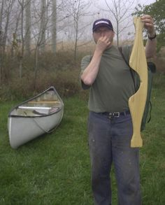 How to Portage a Canoe !