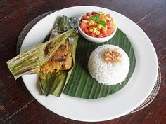 Pepes ikan - Indonesian fish and herb paste wrapped & grilled in banana leaves