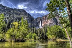 Yosemite Valley, USA. Once again I did a disservice to myself by visiting the USA AND living there several times and not seeing these national treasures...Will do better this year when I go back :)