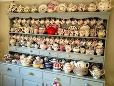 Kitchen dresser laden with beautiful crockery. Victorian Kitchen, Vintage Kitchen, Vintage Dishes, Vintage China, Dresser Inspiration, Dresser Ideas, Kitchen Inspiration, Kitchen Ideas, Emma Bridgewater Pottery