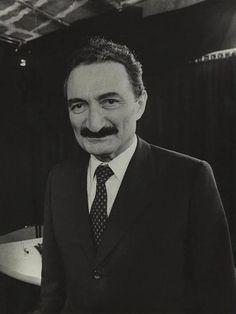 Vefatının 8. Yılında 30 Maddeyle Bülent Ecevit http://t.oned.io/tui