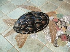 Beautiful Turtle Mosaic--nice use of ceramic tiles w mosaic Mosaic Diy, Mosaic Crafts, Mosaic Projects, Mosaic Glass, Mosaic Tiles, Glass Art, Stained Glass, Mosaic Floors, Tiling