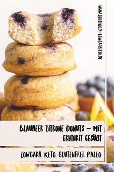 Blaubeer Zitrone Donuts mit Erythrit gesüßt. Frisch gebacken zu dir gekühlt nach Hause geschickt <3 Fruchtig zitronig und mit Heidelbeeren gespickt sind diese neuen Sommerdonuts! Natürlich mit Erythrit statt Zucker, Lowcarb, Keto, Glutenfrei und Paleo. Jetzt nur für begrenzte Zeit! www.soulfood-lowcarberia.de Brownies, Snacks, Low Carb Desserts, Coleslaw, Donuts, Paleo, Cookies, Breakfast, Food