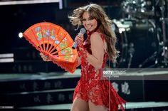 Thalia performs onstage during Univision's 28th Edition of Premio Lo Nuestro A La Musica Latina on February 18, 2016 in Miami, Florida.