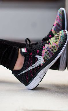 The Flyknit Lunar 3s look really nice with any black or white workout outfit. Also, I wouldnt mind wearing that to conditioning for tennis.
