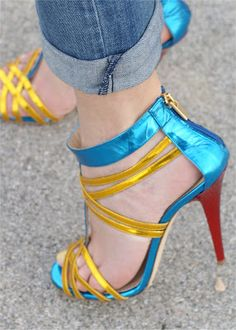 Icone sandals, Fashion and Cookies