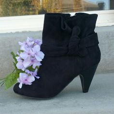 """HPx3 Suede black booties Worn one night!  3"""" heel. Paid $65 for these! DSW Shoes"""
