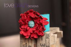 Hey, I found this really awesome Etsy listing at https://www.etsy.com/listing/124298265/lc6-1-12-inch-turquoise-suede-cuff-with