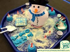 Christmas/Winter Themed Tuff Tray Resources and Ideas - Primary Treasure Chest Tuff Tray Ideas Toddlers, Christmas Activities For Toddlers, Christmas Crafts For Kids To Make, Toddler Learning Activities, Toddler Christmas, Holiday Activities, Christmas Elf, Sensory Bins, Sensory Play