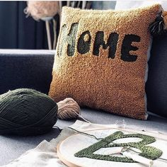 Photos and Videos, Cushion Embroidery, Hand Embroidery, Punch Needle Patterns, Sucker Punch, Embroidery On Clothes, Boho Diy, Punch Art, Rug Hooking, Knitting Stitches