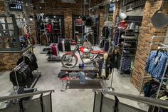 Demario's Cycle World, if you are Looking Motorbike Store for Bike Rentals then visit to our Motorbike Dealership and get your Dream Bikes at Bridgetown Garage Bike, Motorcycle Garage, Moto Bike, Motorcycle Workshop, Motorcycle Outfit, Showroom Interior Design, Garage Interior, Cafe Interior, Barbour Shop