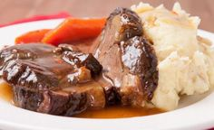 * The best recipe for braised beef that literally melts in your mouth . Great Amazing Today, I offer you a . Braised Beef, Roast Beef, Pot Roast, Roast Recipes, Snack Recipes, Cooking Recipes, Lamb Recipes, Crockpot Recipes, Carne Asada