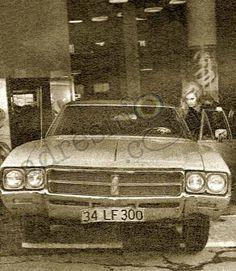 Filiz Akın'ın Yeni Otomobili Akita, Celebrities, Celebs, Stars, Retro, Sterne, Celebrity, Retro Illustration, Star