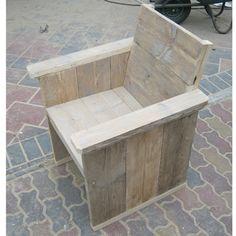 Steigerhouten loungestoel van Rustikal, ideaal voor tuin, terras en horeca gelegenheid. Laat je inspireren op www.rustikal.nl
