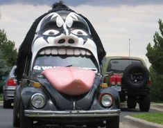 When you love KISS so much that you decide to modify your VW Beetle to represent him : Shitty_Car_Mods