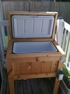 beverage coolers on stands | DIY Cooler Stand For The Deck « DIY Cozy Home by leta