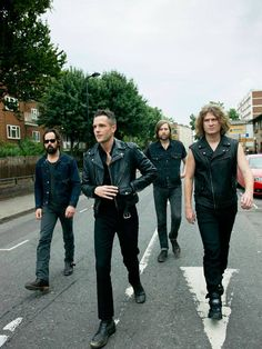 "The Killers: It's awkward when I tell my mom who I'm listening to. ""Oh, you know, the Killers!"" lol \m/<3"