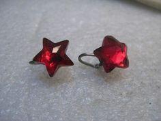 Vintage Red Star Screw Back Earrings, 1960's-/1970's - for Christmas too. #Unbranded #studanddangle