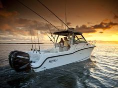 Boston Whaler Boats | 2012 Boston Whaler 285 Conquest