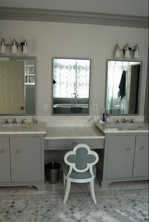 Home Decoration Boutique: Favorite Trend- Gray in the bathroom Vintage Bathroom Accessories, Bathroom Inspiration, Bathroom Ideas, Mirror Bathroom, Master Bathroom, His And Hers Sinks, Cabinet Fronts, Cute Home Decor, Grey Cabinets