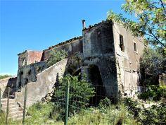 Vakre Sicilia – Roadtrip i 8 dager! I 8, Catania, Christmas Lights, Road Trip, Mansions, House Styles, Christmas Fairy Lights, Road Trips, Fancy Houses