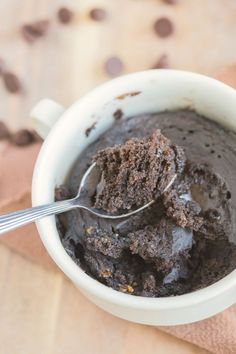 3 Ingredient 1 minute chocolate cake- No flour, butter or oil is needed to make this delicious, fluffy and moist cake which is paleo, vegan and gluten free!