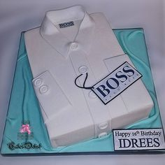 It was all about designer cakes this weekend! Here is one for a trendy 16th birthday. A Hugo Boss inspired shirt cake, with all edible details. Loving the crisp sharp edges and clean lines, and draping the board gives a luxurious look!  #hugoboss #shirtcake #birthday #birthdaycake #16 #designercake #luxurycake #cakesdelishbirmingham